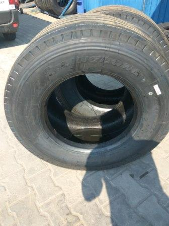 445 45 R 19,5 Ling Long Т 820 tire1